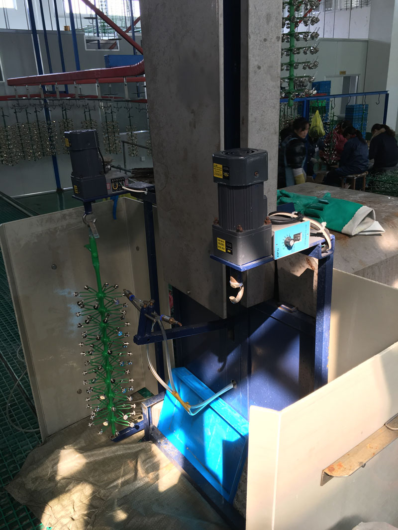 自动喷水设备